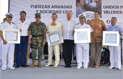 Entregan reconocimientos a SEMAR y SEDENA en Reynosa