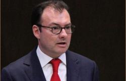 Celebra Videgaray debate por minisalario