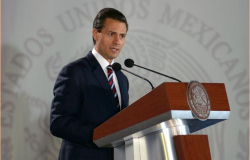 Peña Nieto felicita a las mujeres en su día