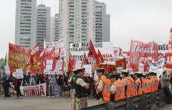 Sindicatos realizan huelga en Argentina