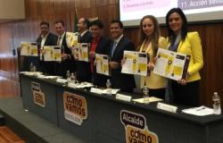 Firman compromisos candidatos a Monterrey