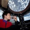 Prepara italiana café espresso en el espacio