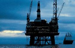 Exxon y Chevron van por petróleo