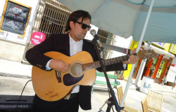 Vive Rockdrigo en voz de nuevas generaciones