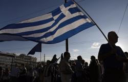 Más impuestos y restringir jubilación, la nueva propuesta griega