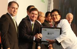 Concluye Gobernador Rodrigo Medina con récord de participación en los Premios al Mérito Escolar