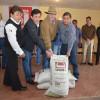 Entrega Etienne fertilizante a productores citrícolas