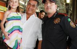 Anuncia Gobernador homologación salarial para agentes policiacos