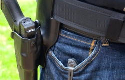 Hará Paxton cumplir la ley de portar armas