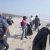 Participan dos mil personas en limpieza de playa de La Pesca