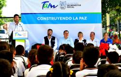 """Secretarías de Educación y Bienestar Social inauguran """"Paralibros""""."""
