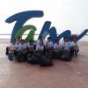 Jóvenes voluntarios  participan en limpieza de Playa Miramar.
