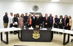 Secretario de Desarrollo Económico se reúne con diputados locales.