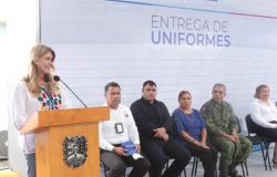 Entregan uniformes a personal de Tránsito y Vialidad en Reynosa