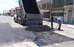 Con 54 toneladas de asfalto rehabilita Municipio calles de la Zona Centro