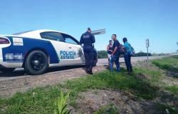 Policía Estatal rescataron a tres migrantes