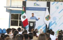 Gobernador pone en marcha el  ciclo escolar 2019-2020.
