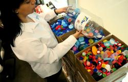 DIF y Gobierno del Estado fomentan reciclaje de plástico.