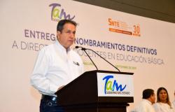 Gobierno de Tamaulipas entrega nombramientos base a personal de Educación Básica.