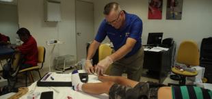 DIF Tamaulipas fabrica prótesis para continuar apoyando a las personas con discapacidad.