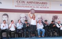 Presidió Maki Ortiz Domínguez Desfile Conmemorativo de la Independencia de México