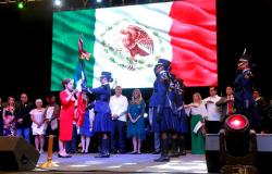 Participa Maki Ortiz en 'Fiesta de Palmas Viva México 2019'