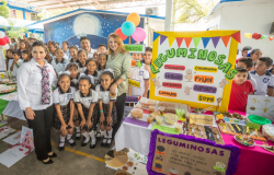 En el marco del Día internacional de la alimentación Mariana Gómez, inaugura Desayunador Escolar y entrega equipamiento para 6 desayunadores.