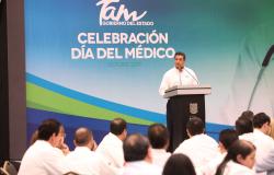 Celebra Gobernador a médicos de la zona sur del estado.