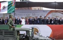 Preside Gobernador Desfile Conmemorativo de la Revolución Mexicana en Nuevo Laredo.