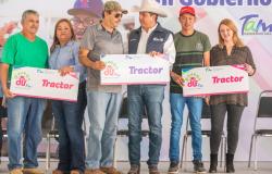"""Con """"Un Gobierno Cerca de Ti"""", Gobernador del Estado y Presidenta del DIF Tamaulipas siguen recorriendo la entidad."""