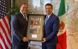 Promueve Gobernador a Tamaulipas en Dallas.