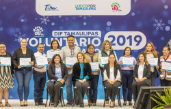 Mariana Gómez entrega premio a los voluntarios del año y reconoce a los voluntarios de corazón de Tamaulipas.