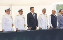 Atestigua Gobernador cambio de mando en Sector Naval La Pesca.