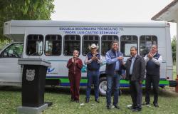 Entrega Gobernador unidades de transporte escolar en Aldama.
