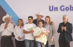 Llevan Gobierno de Tamaulipas y DIF servicios y apoyos a familias de Bustamante.