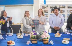 Mariana Gómez se reúne con familias del altiplano tamaulipeco y refrenda compromiso del gobierno del estado para ayudar a las comunidades rurales.