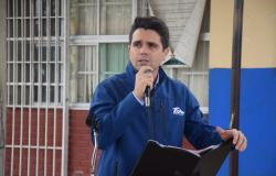 INDE entrega material deportivo a escuelas primarias de Ciudad Madero.