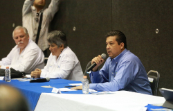 Convoca Gobernador a alcaldes a hacer frente contra coronavirus.