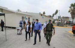 Supervisa Gobernador avance de la construcción de Hospital Móvil en Matamoros.