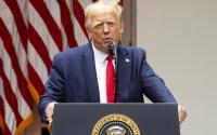 Trump anuncia decreto sobre el actuar policial; prohíbe llaves de estrangulamiento