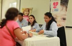 Entrega DIF Tamaulipas becas, bonos económicos y ayuda alimentaria a beneficiarios de Nuestros Niños, Nuestro Futuro.