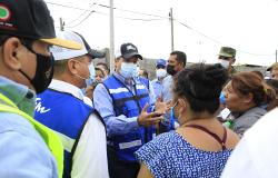 Recorre Gobernador colonias afectadas por inundaciones en Reynosa.