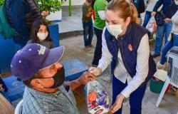 DIF Reynosa entrega diversos apoyos a los Adultos Mayores de la Colonia Almaguer
