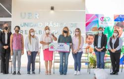 Entrega Mariana Gómez a familias de Altamira nueva Unidad de Rehabilitación y nueva unidad de transporte adaptada.