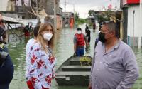 Recorre Maki Ortiz colonias afectadas por lluvias para auxiliar a las familias