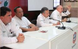 Gustavo Torres presenta proyecto de los  mercados municipales